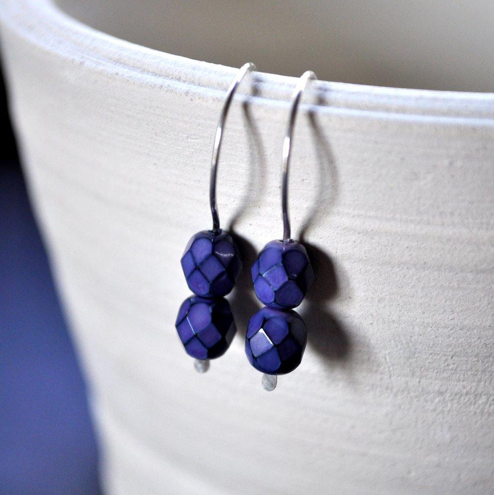 Dark Blue Purple Gemdrops Earrings - sterling silver. Handmade by Epheriell.