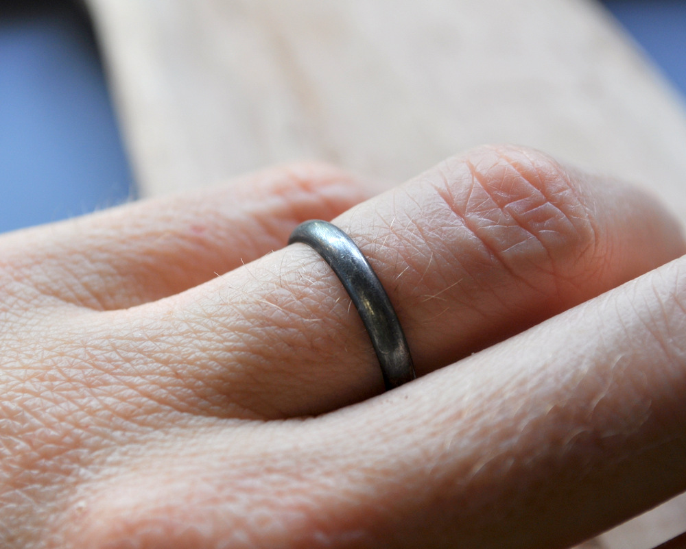 Partially worn oxidised ring (5)