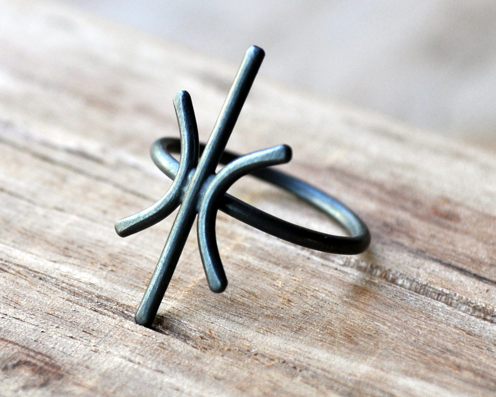 Starburst Ring in Oxidised Finish (3)