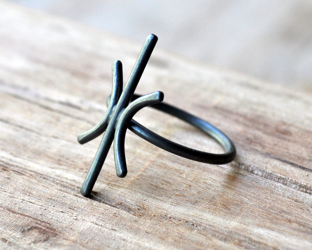 Starburst Ring in Oxidised Finish (5)