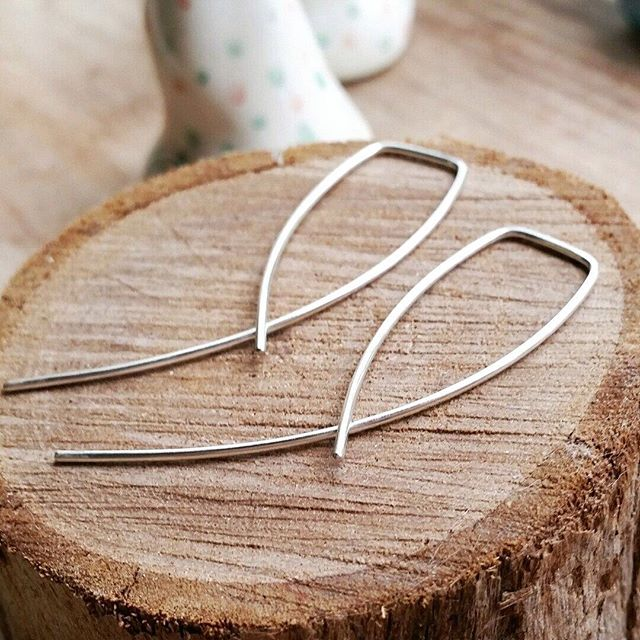 @Epheriell on Instagram - sterling silver entwined earrings - handmade